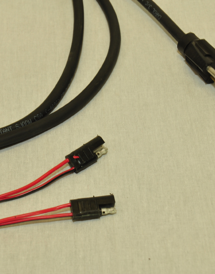 PLUG FOR HARNESS, INFANTRY/PAIR, 7FT Connector close up