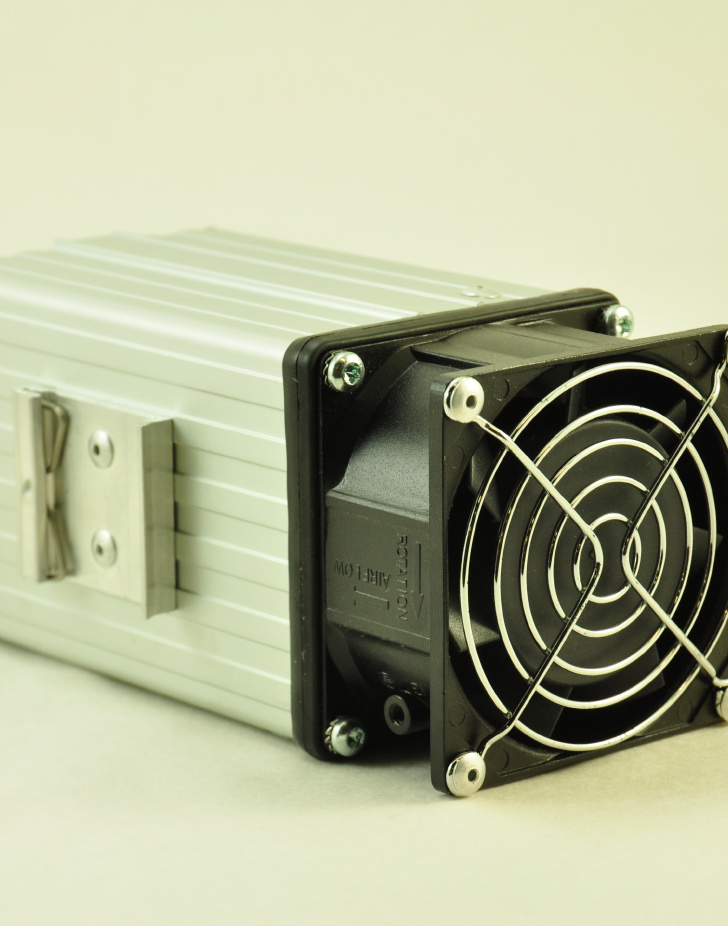 240V, 200W FAN FORCED PTC CONVECTION HEATER Front Facing View